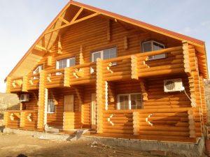 двуфамилна дървена къща от трупи