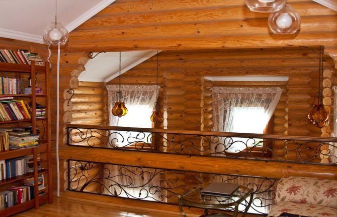 интериор еднофамилна сглобяема къща от дървени трупи